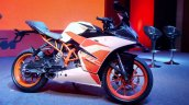 KTM RC200 launch front three quarter