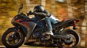 Yamaha R3 black side motion