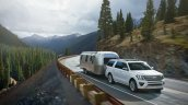 2018 Ford Expedition in motion