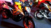 KTM Duke 390 front three quarter