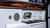 Rolls-Royce Phantom final unit door capping