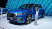 2017 Audi SQ5 front three quarter at the Geneva Motor Show