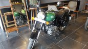 2017 Royal Enfield Classic 350 BSIV reaches dealership front three quarter