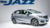 2017 Honda Jazz (facelift) V front three quarter launched Malaysia
