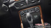 2018 Ford EcoSport (facelift) centre console and gearshift lever