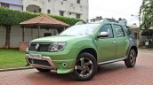 Custom Renault Duster by KitUp Automotive front three quarter