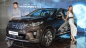 2018 Kia Sorento (facelift) front three quarters left side launch event image