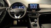 Hyundai i30 Fastback dashboard driver side