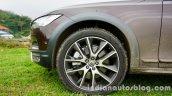 Volvo V90 Cross Country front wheel