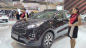 2017 Kia Sportage front three quarters at GIIAS 2017