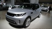 2017 Land Rover Discovery front quarter at the IAA 2017