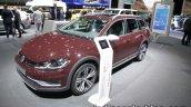 2018 VW Golf Alltrack front quarter at the IAA 2017