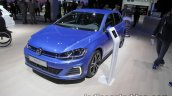 2018 VW Golf GTE front quarter at the IAA 2017