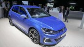 2018 VW Golf GTE front three quarter at the IAA 2017