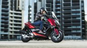 2018 Yamaha X-Max-125 action right side