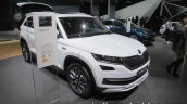 Skoda Kodiaq Scout front three quarters left at IAA 2017