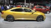 VW Arteon R-Line side at IAA 2017