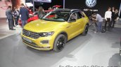 Volkswagen T-Roc R-Line front three quarters at IAA 2017