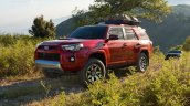 2018 Toyota 4Runner front three quarters