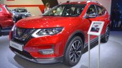 2018 Nissan X-Trail front three quarters left side at 2017 Dubai Motor Show
