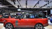 2018 Range Rover (facelift) SVAutobiography Dynamic profile at 2017 Dubai Motor Show