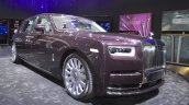 2018 Rolls-Royce Phantom EWB front three quarters right side at 2017 Dubai Motor Show