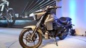 Suzuki Intruder 150 front angle view