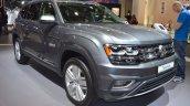VW Teramont front three quarters at 2017 Dubai Motor Show