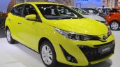 2018 Toyota Yaris (facelift) front three quarters at 2017 Thai Motor Expo