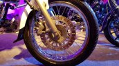 2018 Bajaj Avenger 220 Cruise unveiled front wheel