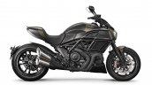 Ducati Diavel Carbon press right side