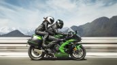 Kawasaki Ninja H2 SX SE press right side action