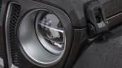 2018 Jeep Wrangler Unlimited Sahara headlamp