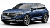 2018 VW Touareg front three quarters