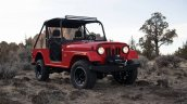 Mahindra Roxor front three quarters right side