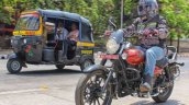 Bajaj Avenger 180 Street test ride review front action with traffic