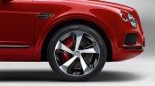 Bentley Bentayga V8 wheel and caliper