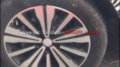 MG RX5 (Roewe RX5) wheel spy shot