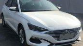 Hyundai Lafesta front three quarters