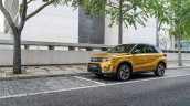 2019 Suzuki Vitara (facelift) front three quarters