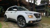 2019 Hyundai Venue Front Three Quarters White 06