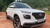 2019 Hyundai Venue Front Three Quarters White 1