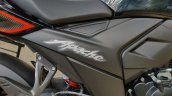 Bs Vi Tvs Apache Rtr 200 4v Review Details Side Pa