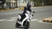 Ather 450 Riding Shot Right Front Quarter 7d3b