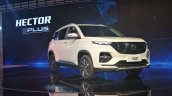 Mg Hector Plus Front Three Quarters Right Side Aut
