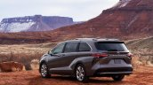 2021 Toyota Sienna Platinum Rear Quarters