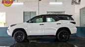 Modified Toyota Fortuner Facelift Side View 1