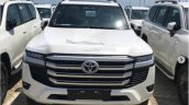 Toyota Land Cruiser Lc 300 Spied Front