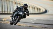 Yamaha R7 Black Action