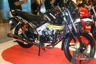 Spied - Mahindra Centuro disc brake variant and Rodeo UZO 125 at dealer preview